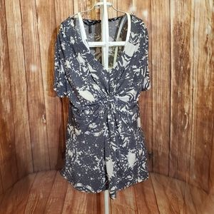 Daisy Fuentes Gray Patterned Blouse Sz Large